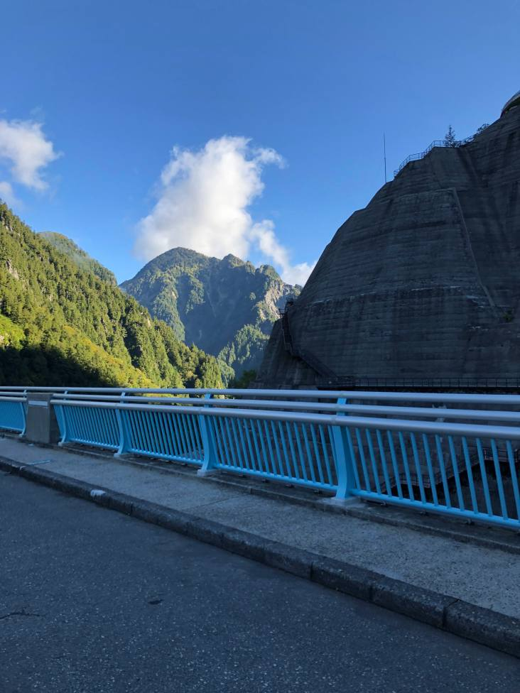 Walking across Kurobe Dam